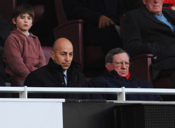 Arsenal's board doesn't have the football knowledge to set about replacing Wenger.