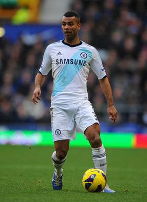 LIVERPOOL, ENGLAND - DECEMBER 30: Ashley Cole of Chelsea in action during the Barclays Premier League match between Everton and Chelsea at Goodison Park on December 30, 2012 in Liverpool, England. (Photo by Michael Regan/Getty Images)