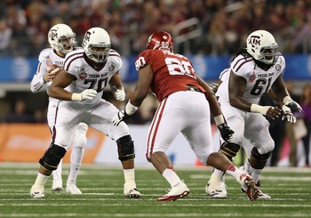 Cedric Ogbuehi blocks against OU