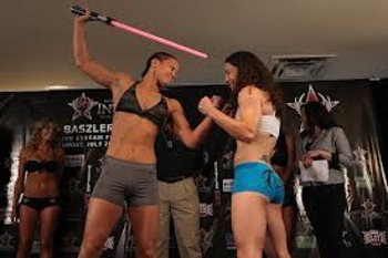 Baszler to the left. Photo from MMARecap.com