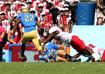 Utah recovers a muffed punt for a TD against UCLA