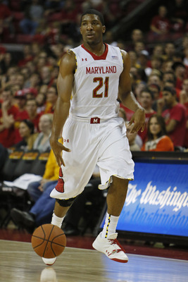 Nov 12, 2012; Baltimore, MD, USA; Maryland Terrapins guard Pe'Shon Howard (21) leads his team against the Morehead State Eagles at the Comcast Center. Mandatory Credit: Mitch Stringer-USA TODAY Sports