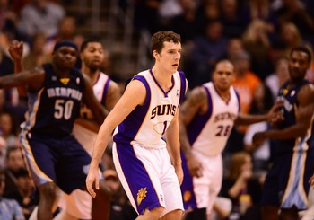 Goran Dragic beat the Grizzlies on a last-second shot