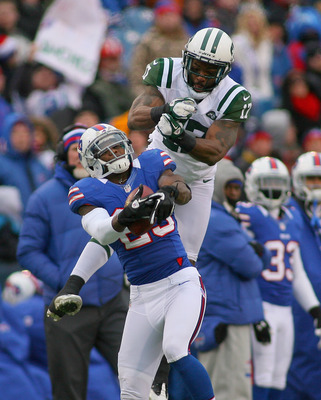 Acrobatics like this made Braylon Edwards a favorite target for Jets' quarterbacks.