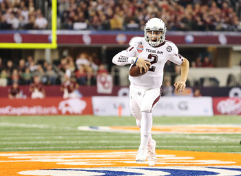 Johnny Manziel runs the ball against Oklahoma