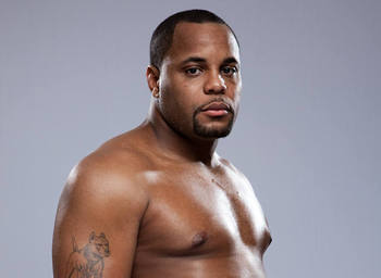 Daniel Cormier - Esther Lin/Strikeforce