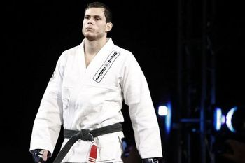 Roger Gracie - Esther Lin/MMAFighting