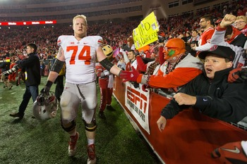 Jack Mewhort will return to anchor the Ohio State offensive line.