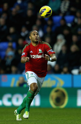 Ashley Williams is one of the best ball-playing defenders in the Premier League.
