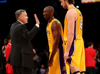 Mike D'Antoni should adapt and adjust his coaching philosophy to fit the talent he has on the Lakers roster.