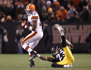 Josh Cribbs would fill multiple roles for the Steelers.