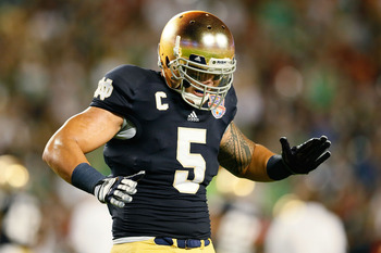 Can Manti Te'o ease the loss of Brian Urlacher?