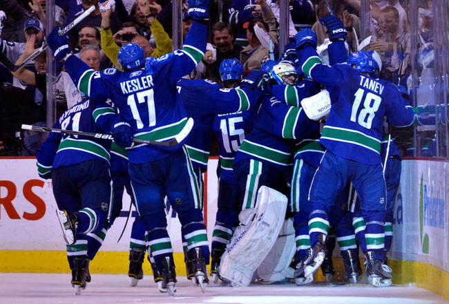 Vancouver-canucks-western-conference-champ-1_crop_650x440