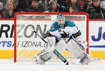 Sharks goalie Antti Niemi won the Stanley Cup with Chicago in 2010.