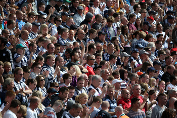 WEST BROMWICH, ENGLAND - SEPTEMBER 01: West Brom fans during the Barclays Premier League match between West Bromwich Albion and Everton at The Hawthorns on September 1, 2012 in West Bromwich, England.  (Photo by Ross Kinnaird/Getty Images)