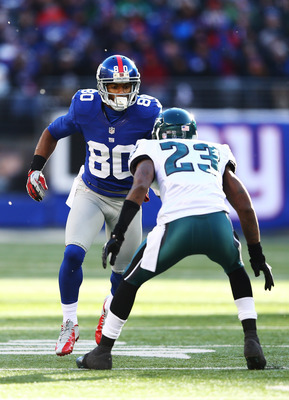 Dominique Rodgers-Cromartie guarding Victor Cruz.