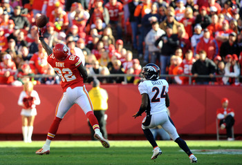Can Kansas City convince Dwayne Bowe to come back?
