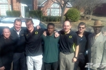 Dontre Wilson with Oregon coaches photo by 247Sports