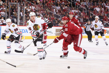 The Coyotes Martin Hanzal battles for the puck in a recent game against the Chicago Blackhawks