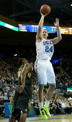 Travis Wear, hurt but vital for the Bruins