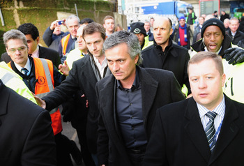 LONDON, ENGLAND - DECEMBER 28:  Ex-Chelsea manager Jose Mourinho, now coach of Inter Milan arrives prior to the Barclays Premier League match between Chelsea and Fulham at Stamford Bridge on December 28, 2009 in London, England.  (Photo by Clive Mason/Get