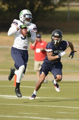 Aaron Dobson makes a leaping catch during a Senior Bowl practice.