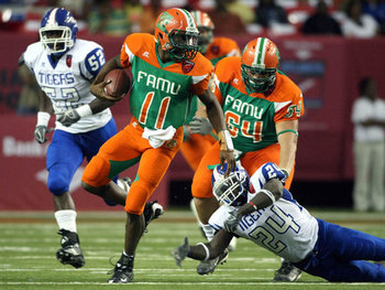 http://doxology101.blogspot.com/2011/09/5-worst-college-football-uniforms.html