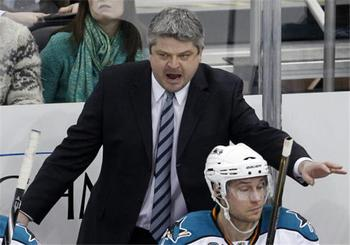 Reasons-why-todd-mclellan-should-remain-the-coach-for-san-jose-sharks-nhl-72413_display_image