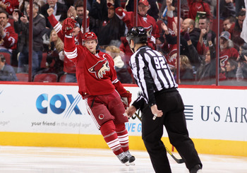 Coyotes Captain Shane Doan celebrates after lighting the lamp against the Los Angeles Kings