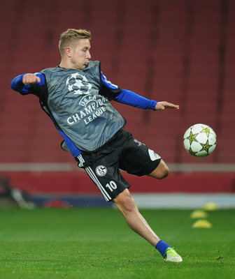 Is Lewis Holtby's White Hart Lane arrival imminent?