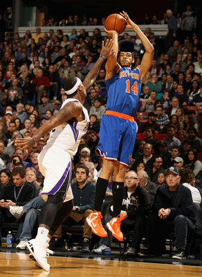 Original Photo Via: http://media.zenfs.com/en_us/News/gettyimages.com/york-knicks-v-sacramento-kings-20121228-201820-979.jpg