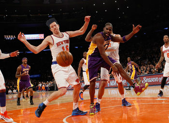 Original Photo Via: http://media.zenfs.com/en_us/News/gettyimages.com/los-angeles-lakers-v-york-20121213-183416-379.jpg