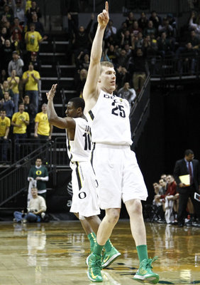 Senior forward E.J. Singler during a home game against Washington State. Thomas Boyd/The Oregonian