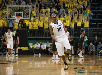 Senior guard Johnathan Lloyd celebrating after making a shot against Vanderbilt. (Alex McDougall/Emerald)