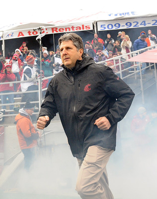 Cougar head coach Mike Leach