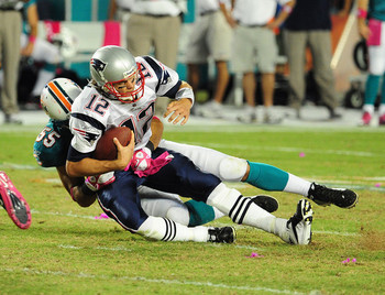 New-england-patriots-v-miami-dolphins-october-3-2010-tom-brady-18517202-594-455_display_image