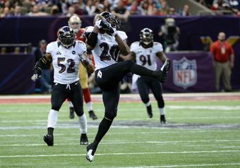 Ed Reed intercepts an overthrown pass from Colin Kaepernick.