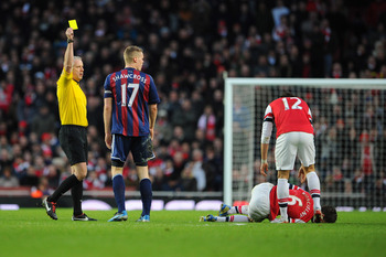 Ryan Shawcross shocking challenge on Laurent Koscielny (Arsenal 1   Stoke 0)