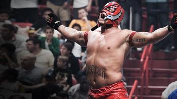 Rey Mysterio wins the 2006 Royal Rumble. (Courtesy of WWE.com)