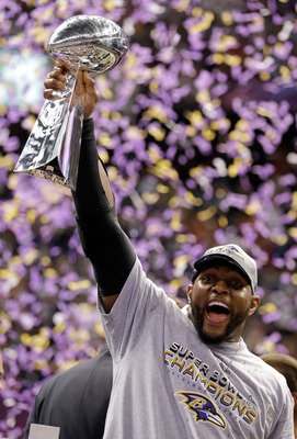 NEW ORLEANS, LA - FEBRUARY 03:  Ray Lewis #52 of the Baltimore Ravens holds up the Vince Lombardi Trophy following their 34-31 win against the San Francisco 49ers during Super Bowl XLVII at the Mercedes-Benz Superdome on February 3, 2013 in New Orleans, L