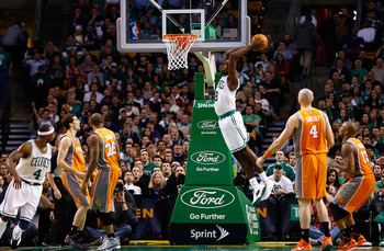 Jeff Green moves in for a dunk against the Phoenix Suns.