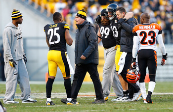 Heath Miller—tight end for the Pittsburgh Steelers—is helped off the field after suffering a knee injury that was later diagnosed as a torn ACL and MCL.