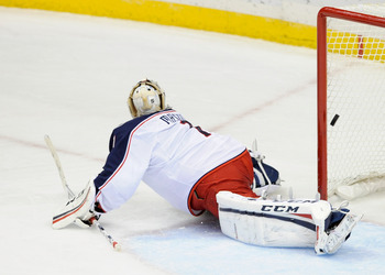 Steve Mason has struggled to keep the puck out of the net for the Blue Jackets.
