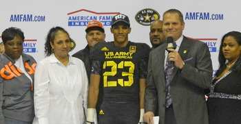 Tyler Boyd and family | Photo Credit: 247 Sports