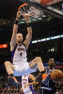 The Suns should look to rebuild without Gortat.