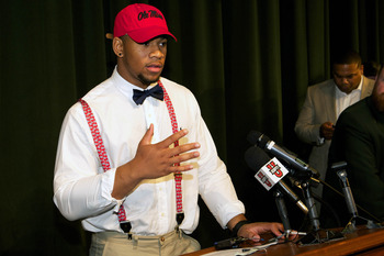 DE Robert Nkemdiche Picks Ole Miss