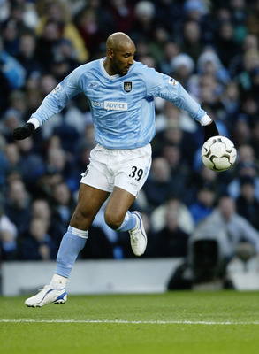 Anelka in Man City blue