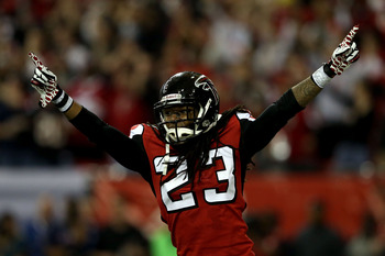 Dunta Robinson was paid like an elite corner but failed to even be the best on the Falcons.
