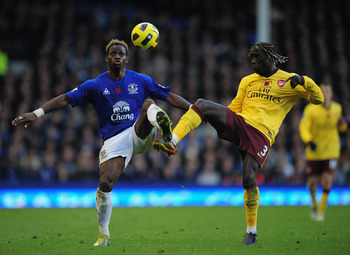 Sagna scored a thunderbolt against Everton