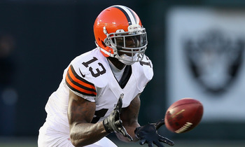 Browns receiver Josh Gordon about to make a catch.